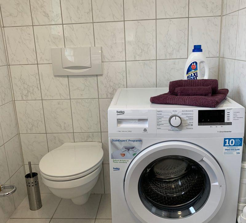 10 Gäste WC Waschmaschine